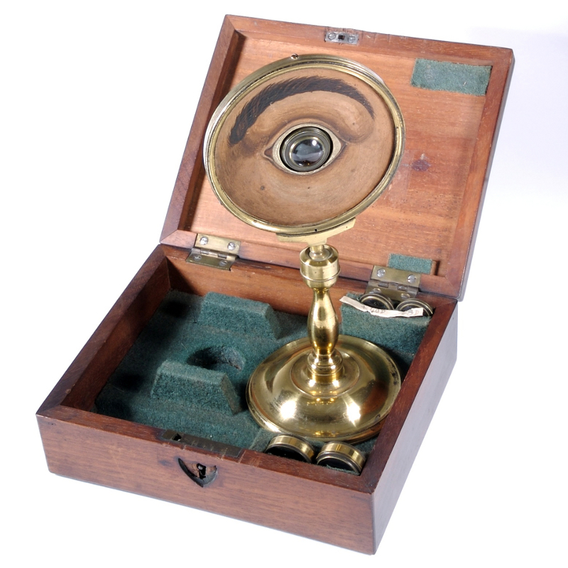 Another practice eye, by W. & S. Jones, circa 1810. This device is in the collection of The British Optical Association Museum and is probably an identical model to the one in the main image above. Courtesy of The College of Optometrists