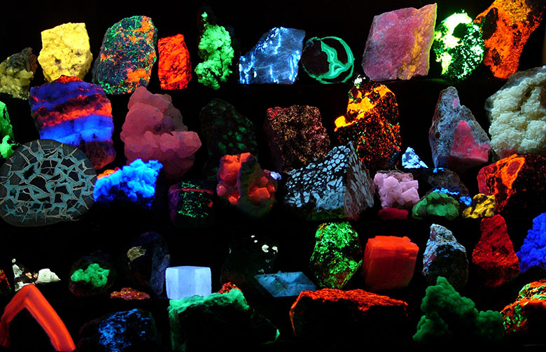 Fluorescing minerals. Photo by Hannes Grobe/AWI