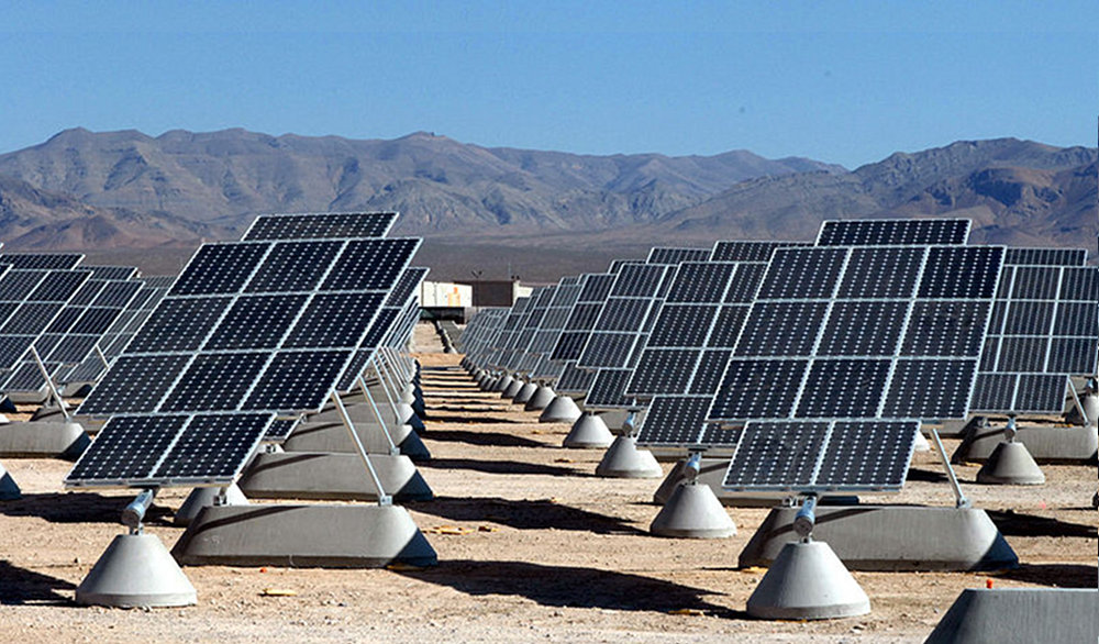 Photovoltaic solar power plant at Nellis Air Force Base in Clark County, Nevada. Image courtesy of USAF