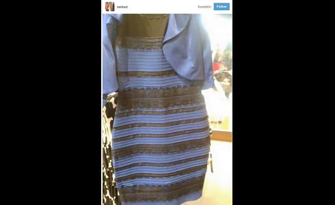 How can i see the dress in blue and black