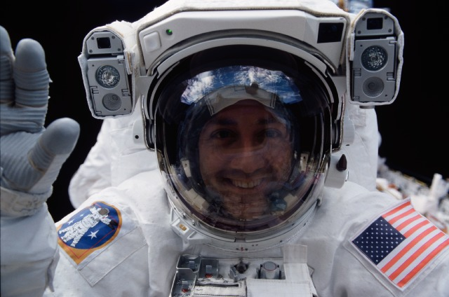 astronaut disappeared in space - photo #6