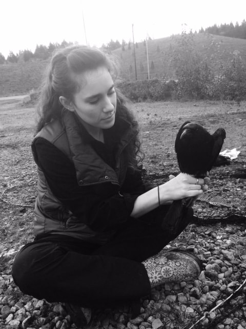 kaeli swift with a crow