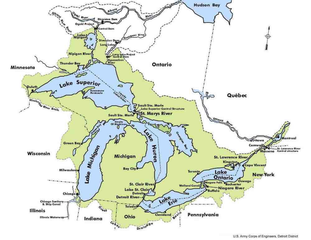 a map of the great lakes bordering the north midwest and southern canada