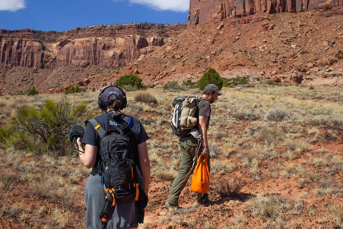 Two diggers trek into the Utah desert