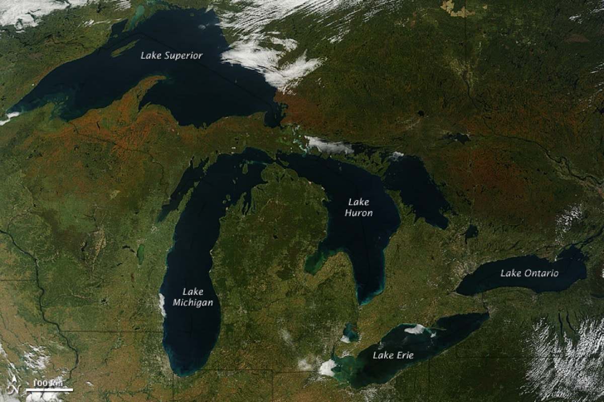 a satellite image of five lakes, they are labeled left to right: lake superior, lake michigan, lake huron, lake erie, and lake ontario